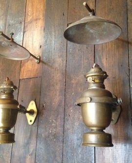 BRASS GIMBAL OIL LIGHT