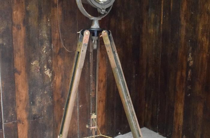 Tripod Flood Light – Mine Sweeper
